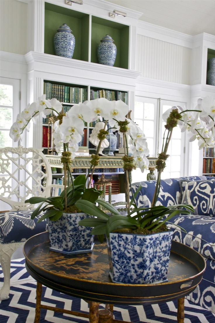 Welcome Wednesdays :: Decorating with blue and white