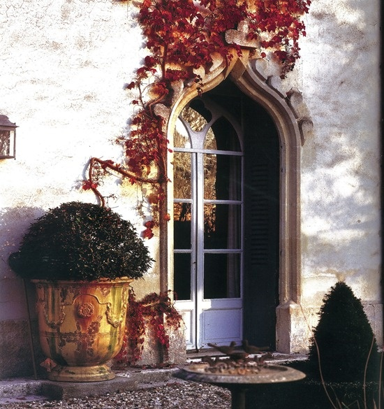 Gracious Outdoor Living For Fall