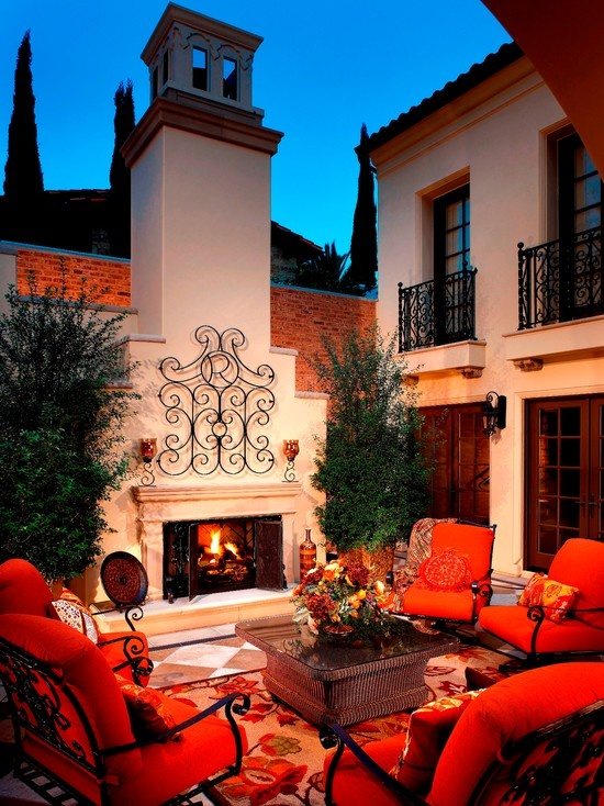 OUTDOOR LIVING MEDITERRANEAN PATIO