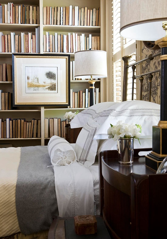 holiday guest room via trad home