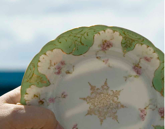 What is the difference in fine bone china and porcelain? - Hadley Court