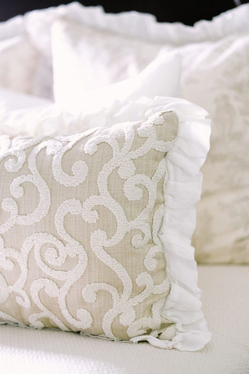 pillow arrangement - classic pillow