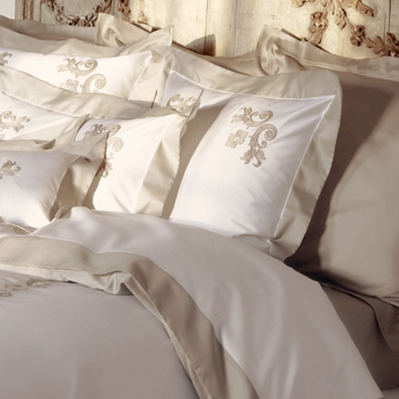 Egyptian cotton linens photo