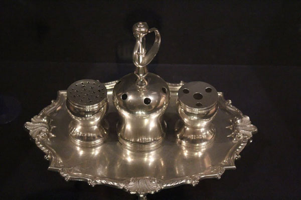 Photo of silver inkwell by Philip Syng, Jr.
