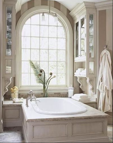 Luxurious bathroom - Bath in marble