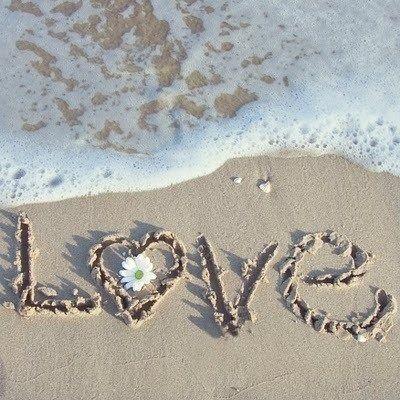 Loveinthesand
