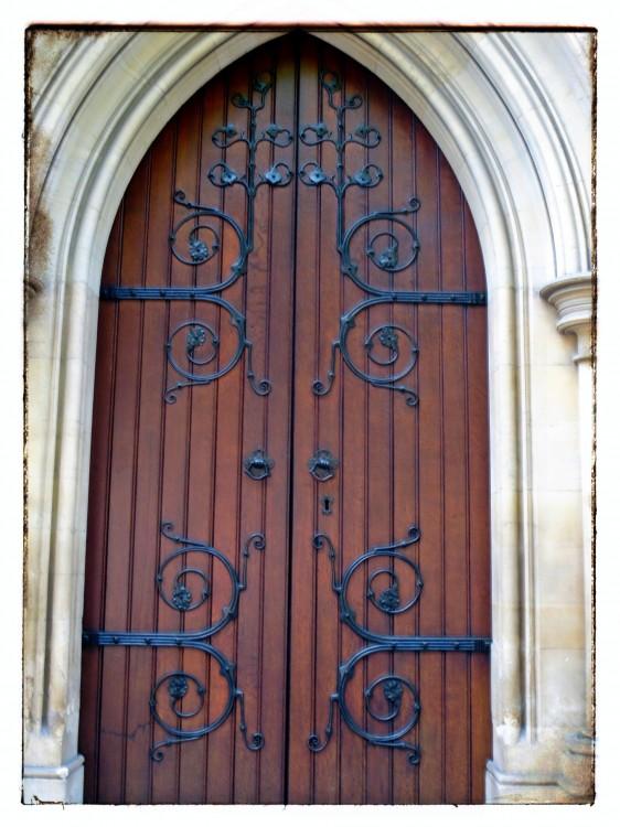 the many doors of Paris