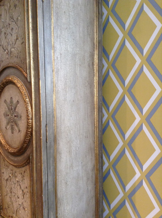 Photo of a combination of 3 finishes on one armoire