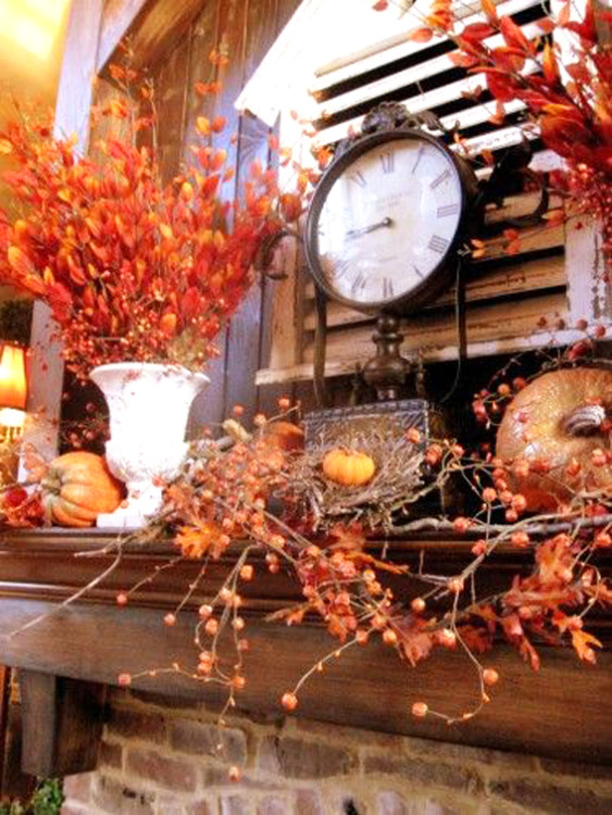 clock mantel decor