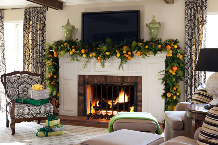 Festive fireplace screen