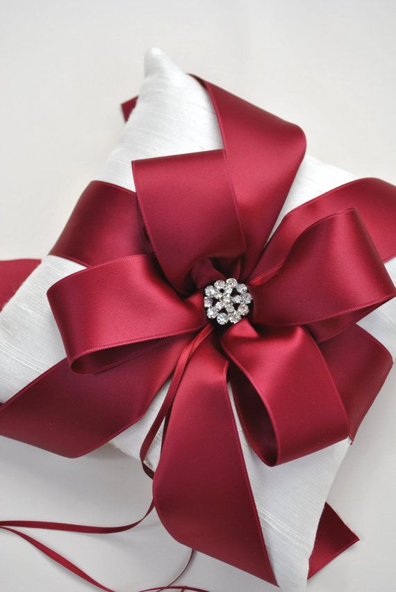 Our favorite christmas gift wrapping ideas big christmas bow negle Choice Image