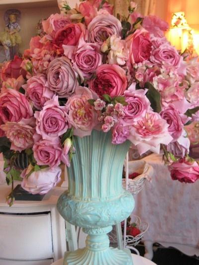 FLOWERING URNS IN DECOR FOR SPRING - Hadley Court blog (4)
