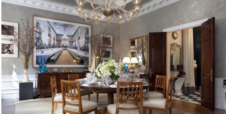 Chandelier Elissa Cullman interior decorated room
