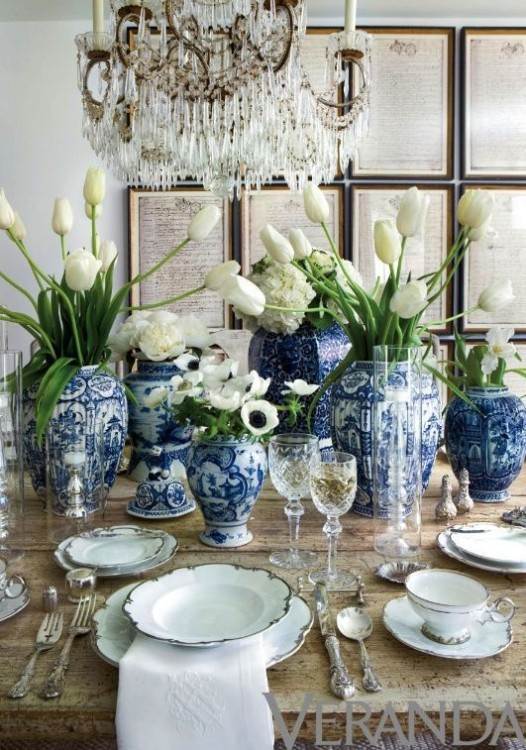 DECORATING WITH BLUE & WHITE (17)