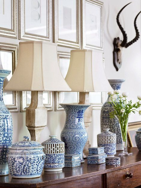 DECORATING WITH BLUE & WHITE (28)
