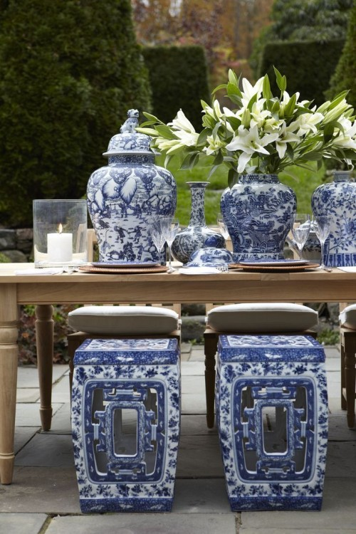 DECORATING WITH BLUE & WHITE (40)