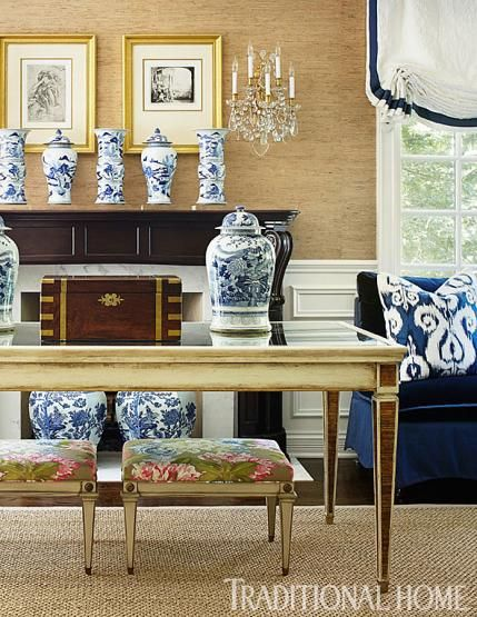 DECORATING WITH BLUE & WHITE (55)