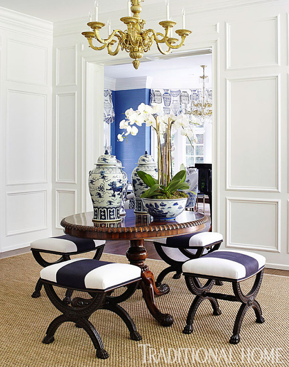 DECORATING WITH BLUE & WHITE (60)