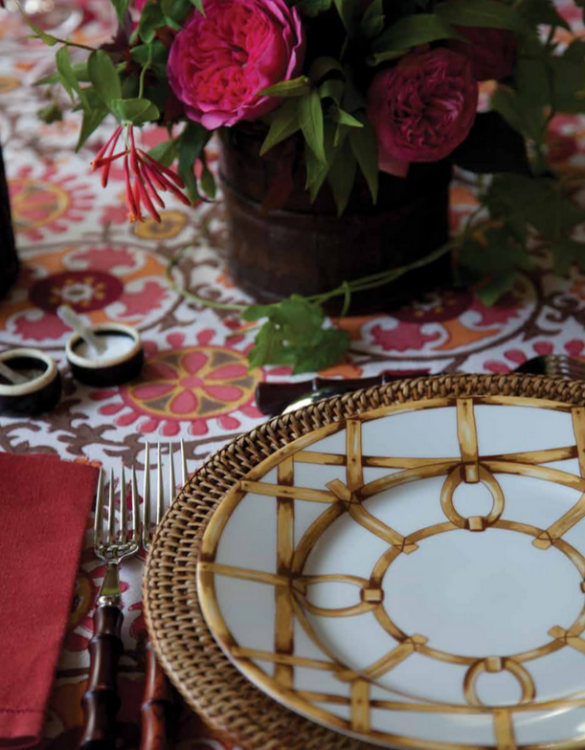 Gold plate for garden dinner party