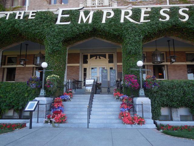Empresscloseupsteps