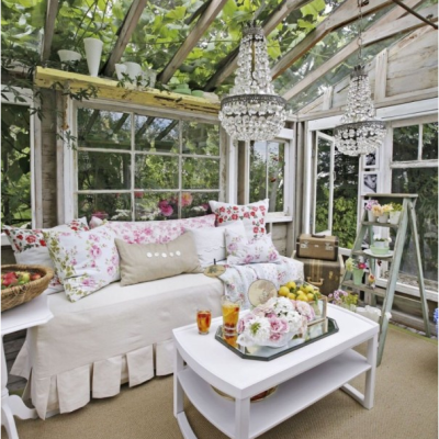 Inspiring She Sheds: The One Thing Every Woman Deserves!