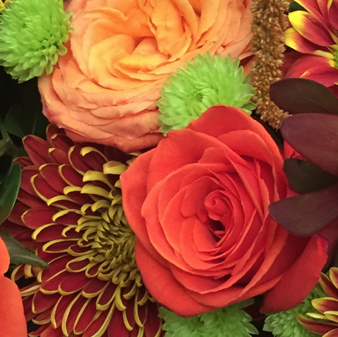 The fresh flowers in the 200 Steele building at Fall 2015 #HPMKT || Image Credit: Leslie Carothers for Hadley Court