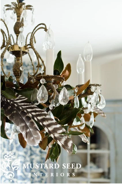 Thanksgiving chandelier design and image credit: Marian Parson of the Miss Mustard Seed blog