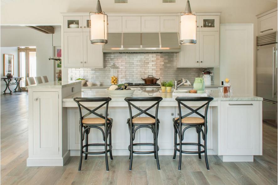 metallic - tile - kitchen -backsplash - designer - alison - dorvillier - jpeg - 2.16