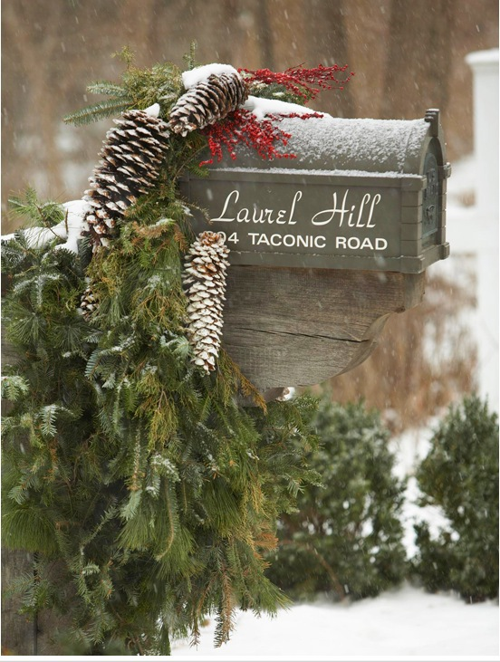 Christmas-mailbox-decorations