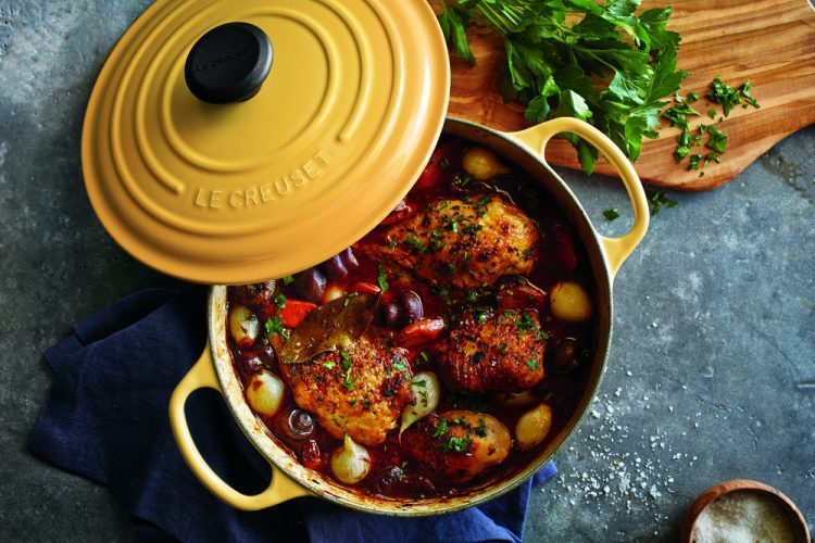 Must-have kitchen tools: a great dutch oven. Click to see the rest of our kitchen essentials in this post!
