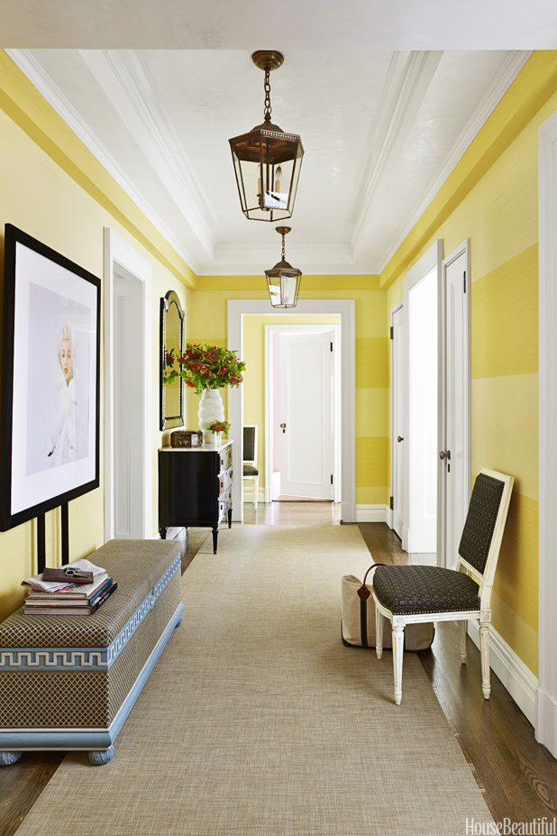 Bright color walls for minimalistic entryways
