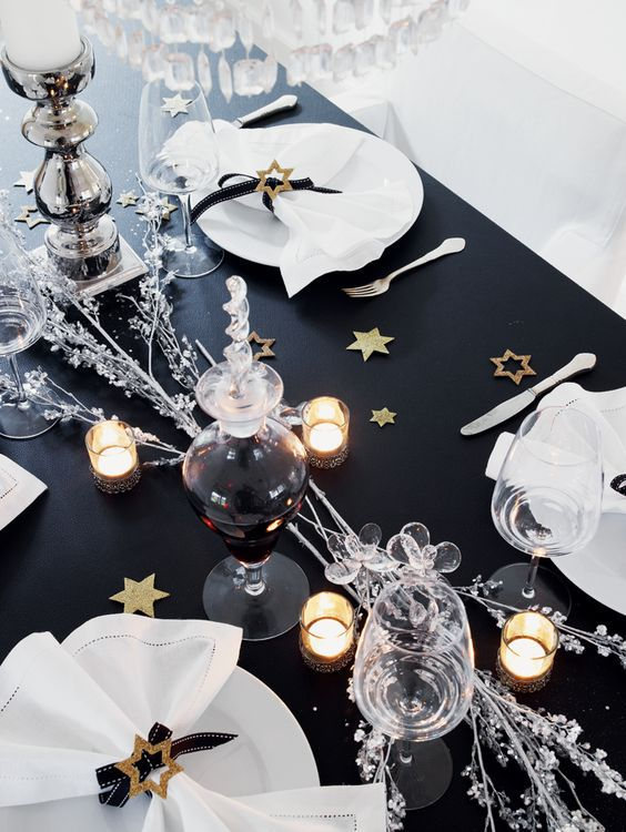 new year's eve tablescape ideas black