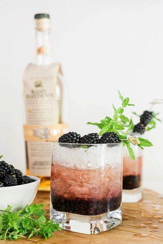 summer cocktail recipes blackberry bourbon smash