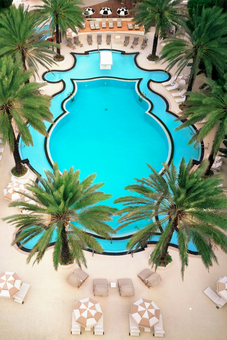 the Raleigh Miami hotels with amazing pools