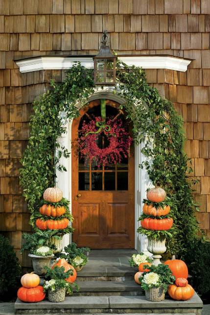 Front Porch Inspirations: Door Swag