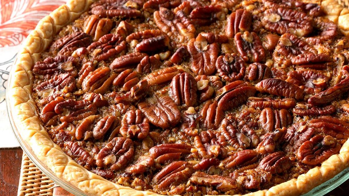Informal Thanksgiving Dinner:  Tabletops & Recipes - Pecan Pie