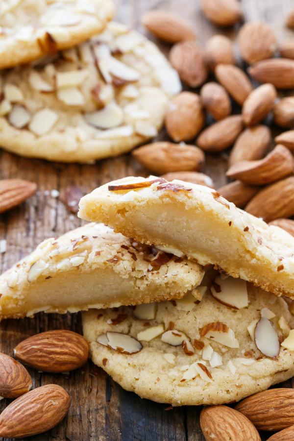 Gluten Free Almonds Macaroons