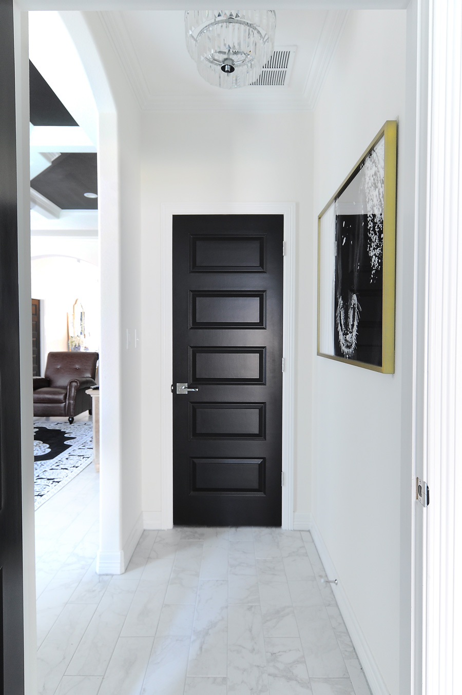 "Painting ""Builder Grade"" Doors Makes Them Look More Expensive - Black"