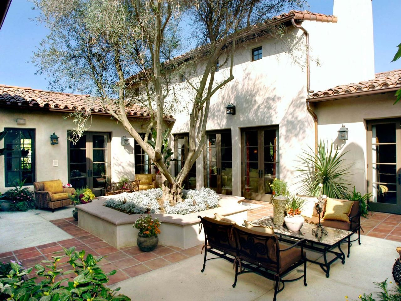 Spanish Colonial Home: Outdoor