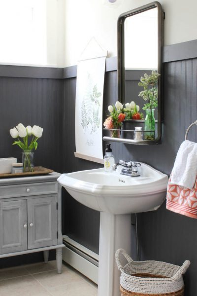 decorating with beadboard, beadboard bathroom ideas