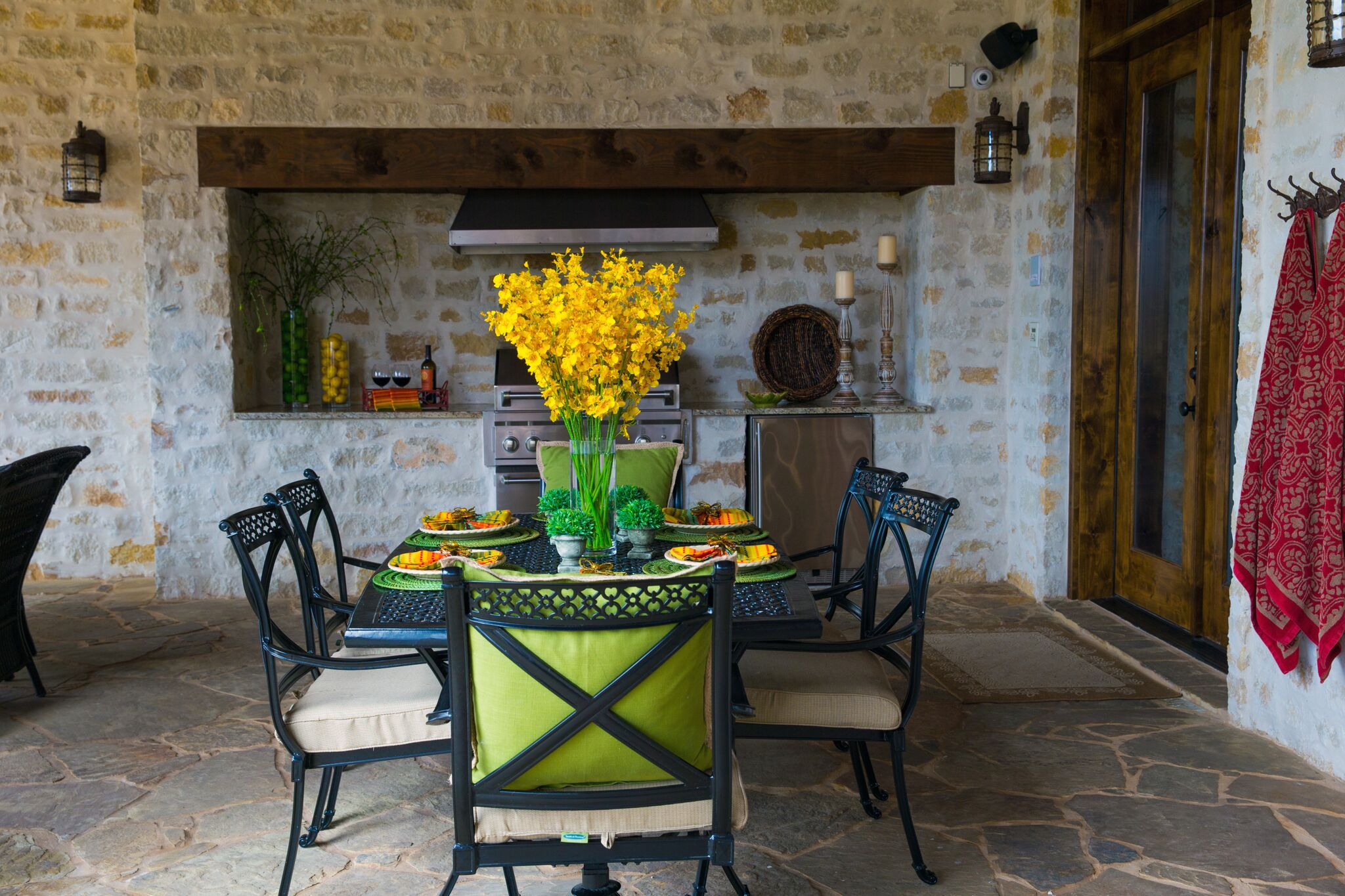 Patio with spring floral design