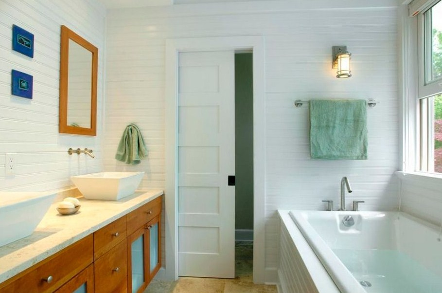 Horizontal Beadboard Bathroom