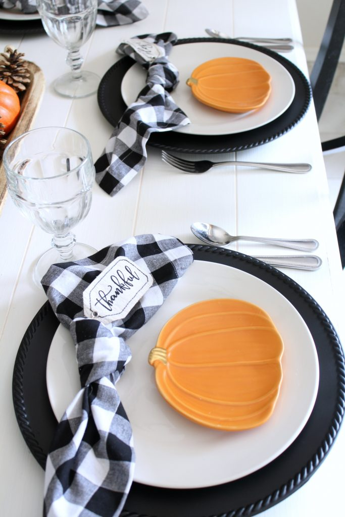 pumpking and gingham thanksgiving fall table