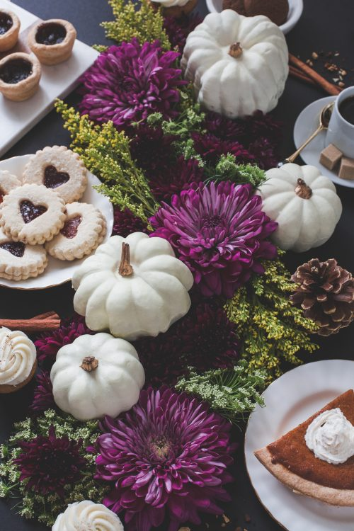 moody colors fall table