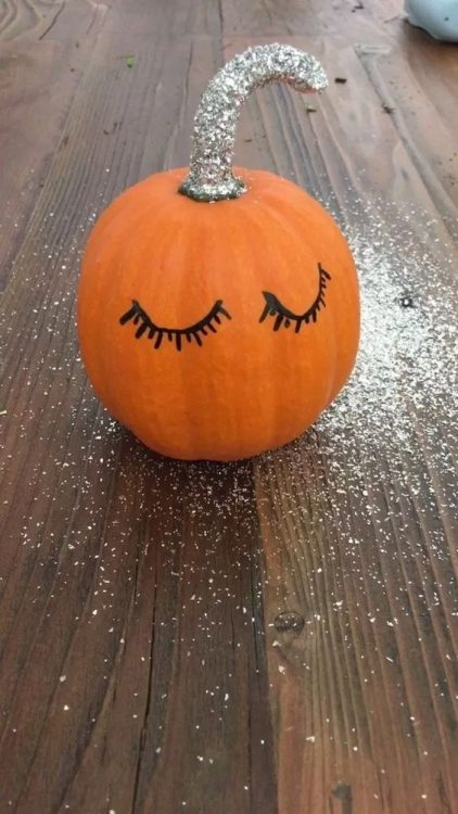 pumpkin with eyelashes