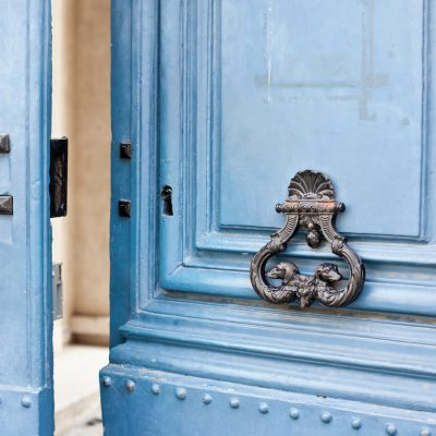 How to Pick the Perfect Paint Color for Your Front Door