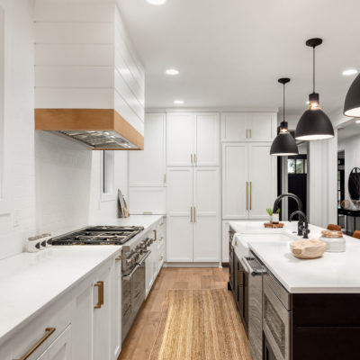 Tips for All-White Kitchens: Breaking up Monochromatic Spaces