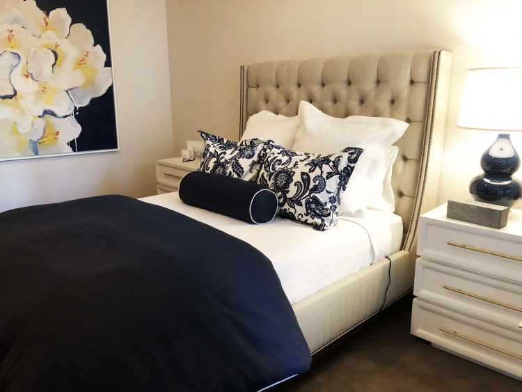 How To Arrange Pillows On A King Or, Queen Bed Pillows