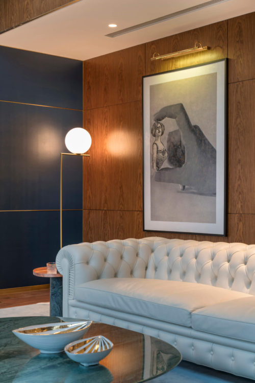 Wood Paneled Smoky Room: Transform Wood Paneling In Your Living Room Into A