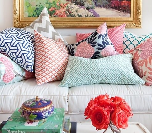 7 Easy Ways to Mix and Match Throw Pillows [From a Design Pro]